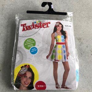 Twister Women's Costume Kit! New!